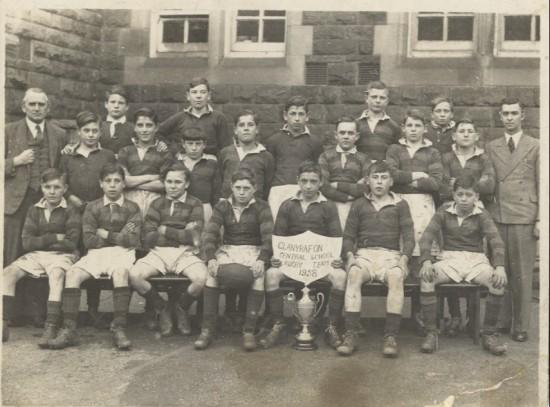 Glanyrafon School Rugby Team, 1938