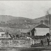 Left:The Red Lion:  River Row:  Gladstone Street:   Lower Deep Pit in the back ground