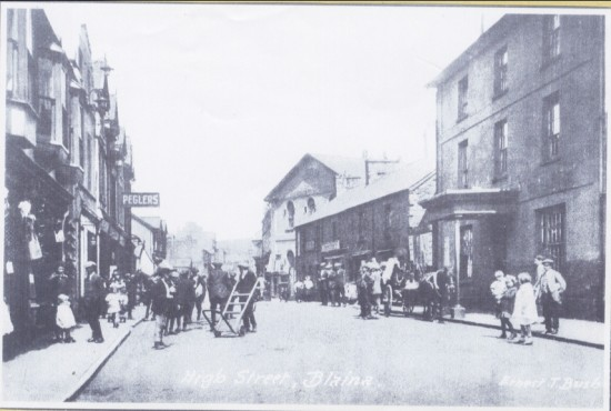 HIGH STREET BLAINA THE CASTLE HOTEL  WITH PORCH LATER BECAME THE                   WORKMENS CLUB