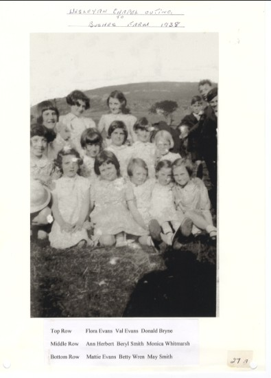 Wesleyan Chapel Outing to Bushes Farm 1938