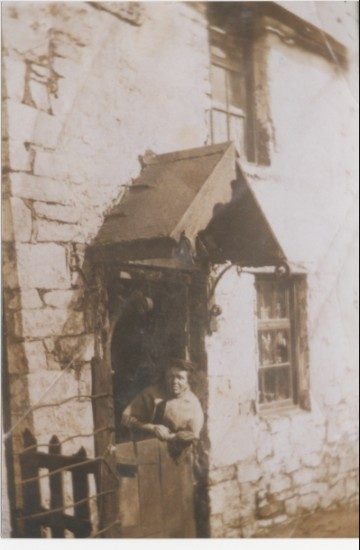 Jane,Hughes Shop,Lyons Row Nantyglo