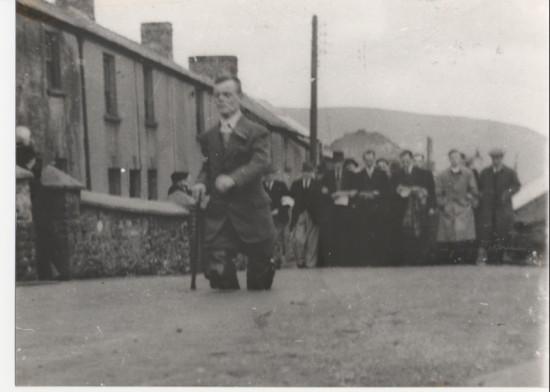 School walks Garn road