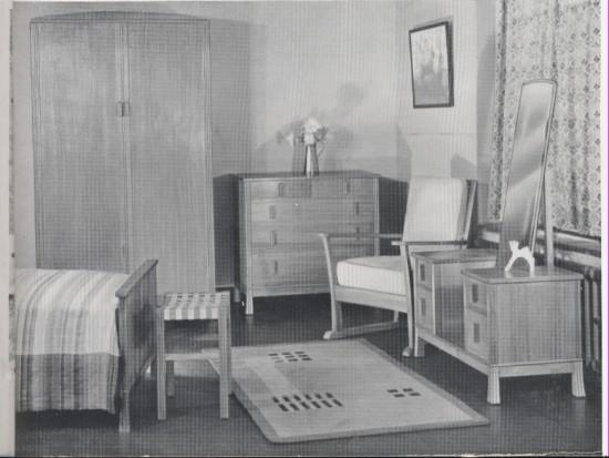 Bedroon suite in Austrian Oak Brynmawr Furniture