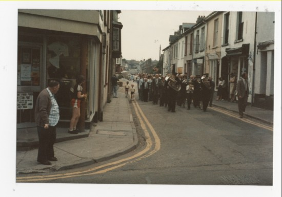 a band walking through Brynmawr