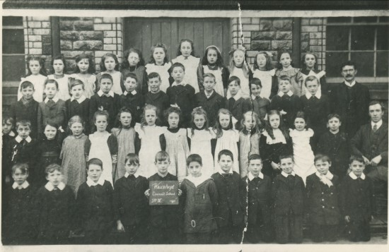 Waunlwyd Council School,Standard1V
