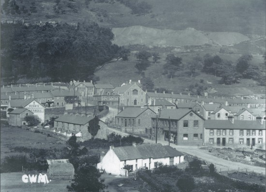 Mill Terrace amd Mill Farm, c. 1900