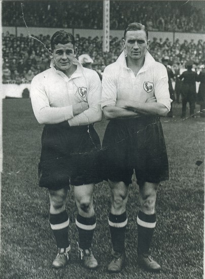 Tottenham Hotspur players Willie Evans and Eugene O'Callaghan,both were from Victoria.