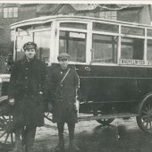 Service Bus 1928 at Fitzroy Avenue