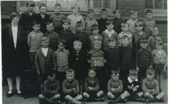 Cwm Dyffryn School,Standard 1A