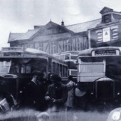 Buses at the Circle Tredegar