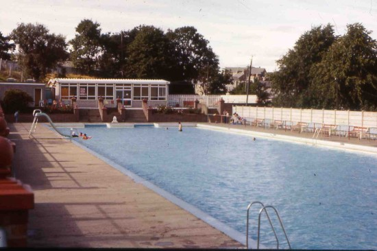 Tredegar open air swimming pool at Bedwellty Park