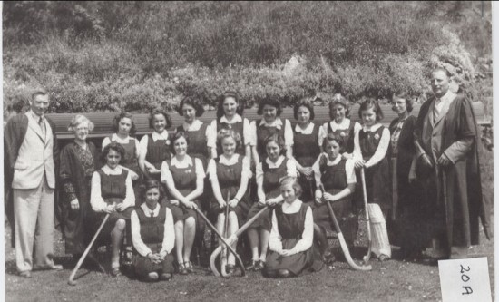 Hafod y ddol Grammar School Hocket Team, Season 1942 to 1943.
