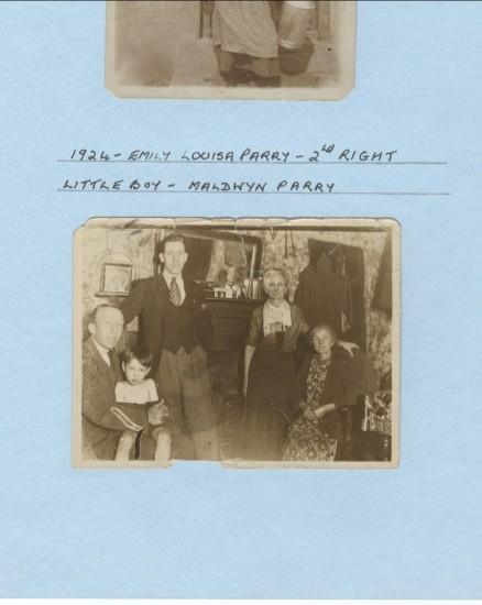 Emily Louisa Parry (2nd right), little boy Maldwyn Parry