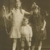 Moore family portrait c.1925