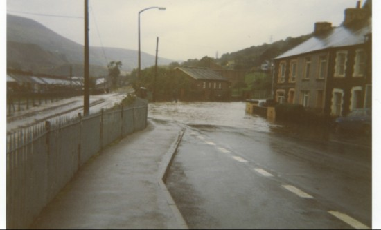 1984 Floods at  Station Terrace
