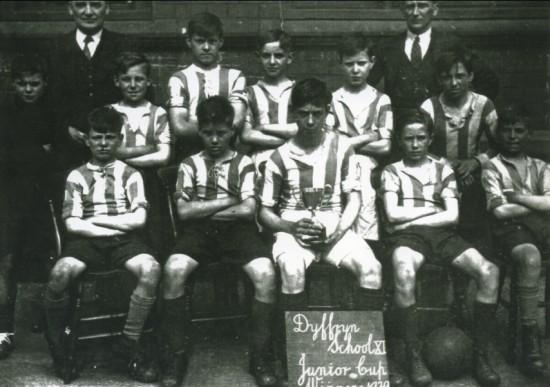 Dyffryn School Football XI