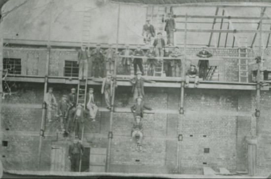 Building the Colosseum Cinema, 1900