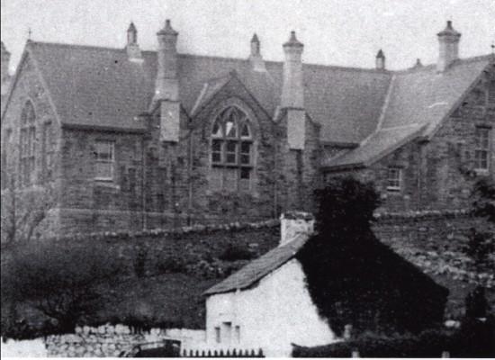 Cwmyrdderch School