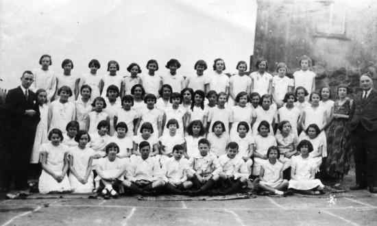 Cwmyrdderch School Choir, 1933