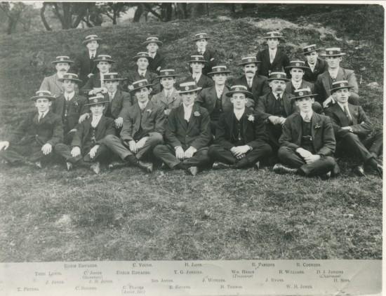 Cwm Mens Club