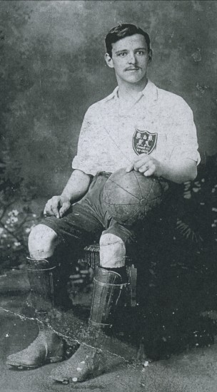 Joe Pettican of Newbury came to Victoria in 1908 and played Football for Ebbw Vale.