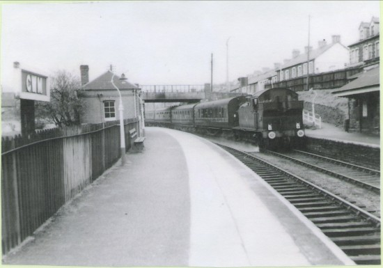 Stephenson Rail Special passing through Cwm Station.
