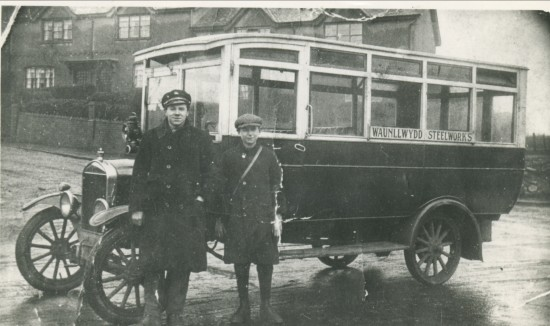 Service Bus 1928 at Fitzroy Avenue
