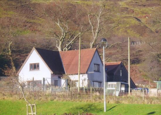 Troed Rhiw Clawdd Farm on The Domen Fawr.
