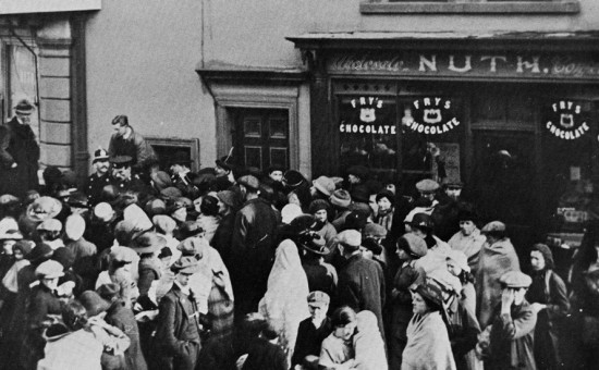 Queue for potatoes, Market Square, Brynmawr