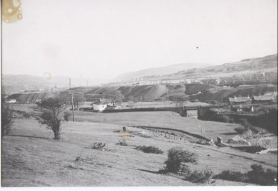 The Weir below  The Nine Arches Nanty Bwch