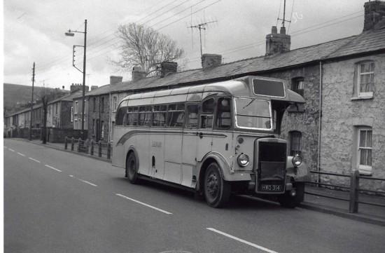 Bus Tredegar